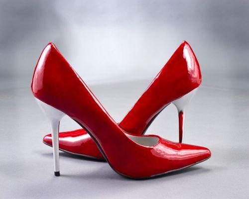high heels pumps red