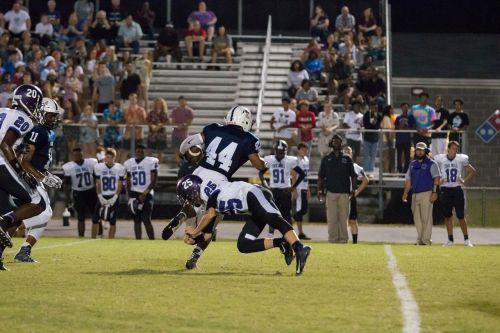 high school tackle runner