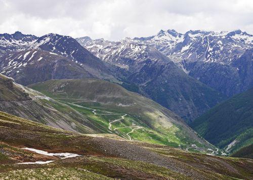 highest alpine pass col de la bonette serpentine