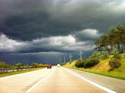 greitkelis,griauna,oras,Meklenburgas,dangus,debesys,audra,gamtos reiškinys,debesys,audros debesys,gamta,Persiųsti,blykstė,natūralus spektaklis,grasinanti,oro temperamentas,tamsūs debesys