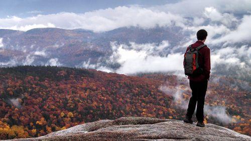 hiking autumn color fall foliage