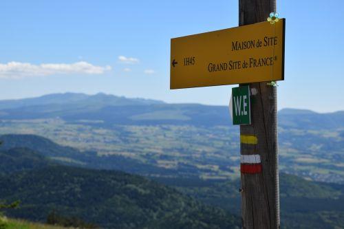 hiking auvergne landscape