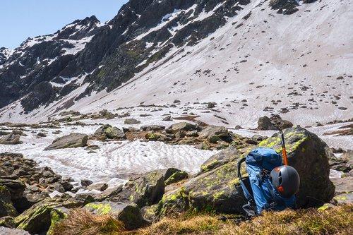 hiking  mountaineering  backpack