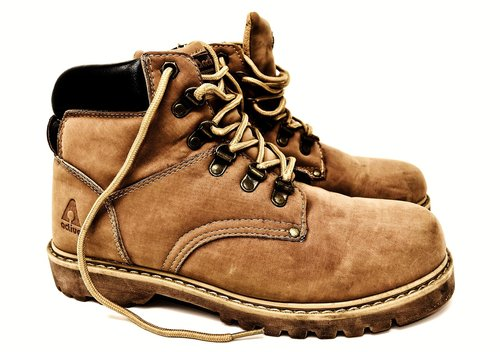 hiking shoes  boots  leather