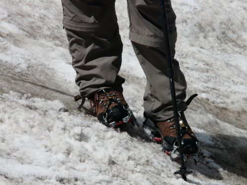 hiking shoes snow crampon