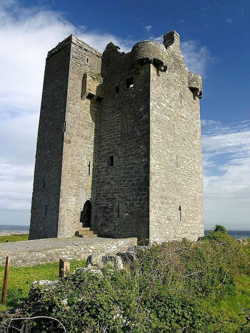 hill castle gleninagh