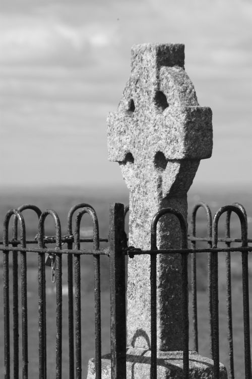 hill of tara ireland cross