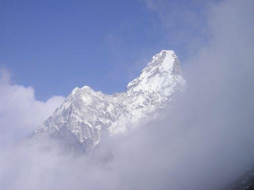 himalayas ama dablam nepal