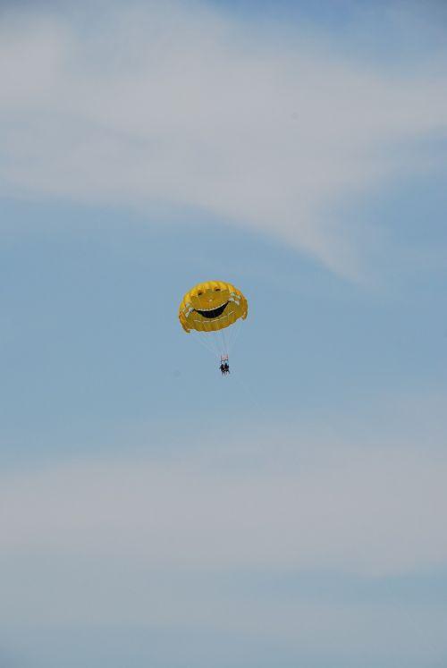 himmel parachute happy