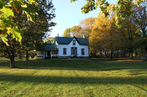 historic ontario farmhouse