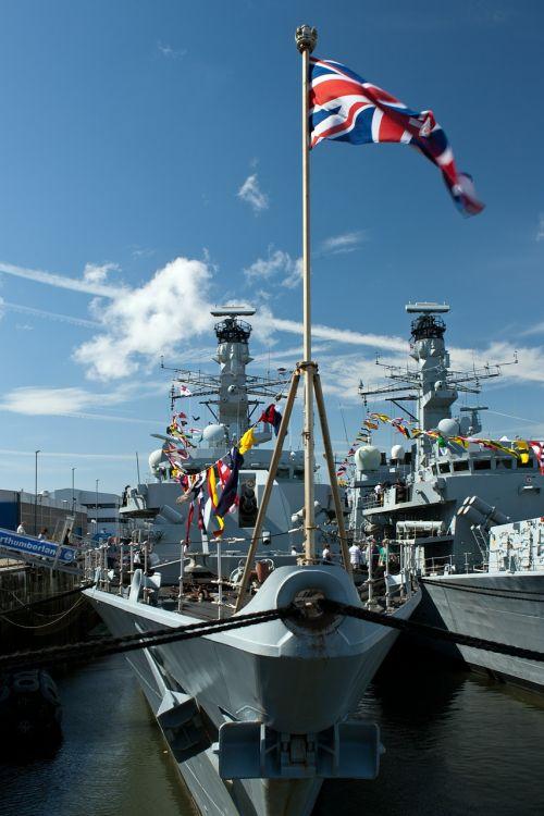 hms northumberland royal navy frigate 900 tonnes