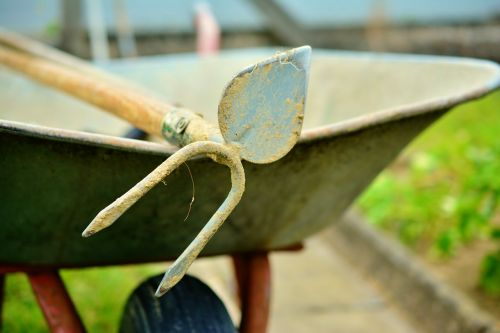 hoe wheelbarrow gardening
