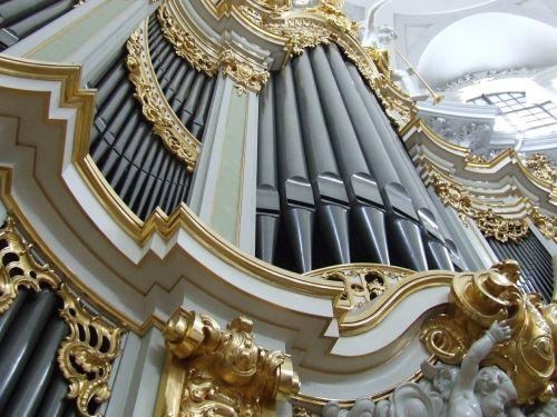 hofkirche dresden organ
