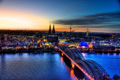 hohenzollern bridge cologne skyline