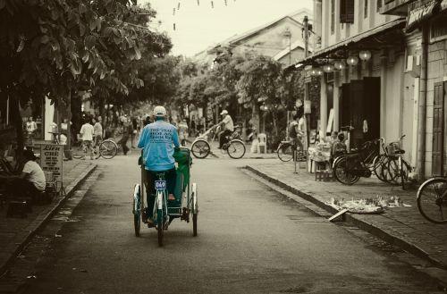 hoian vietnam cyclo