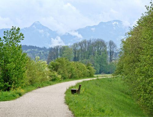 šventė,laisvalaikis,atsigavimas,žygiai,juostos,kelias,toli,gamta,pieva,žalias,platus,toli,kraštovaizdis,bavarija,Chiemgau,kalnai