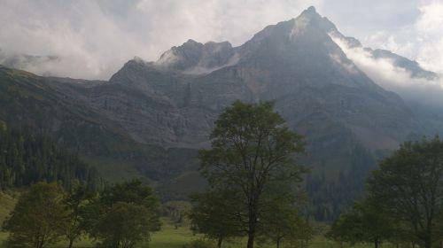holiday hills alpen