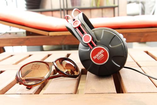 holiday music sunglasses