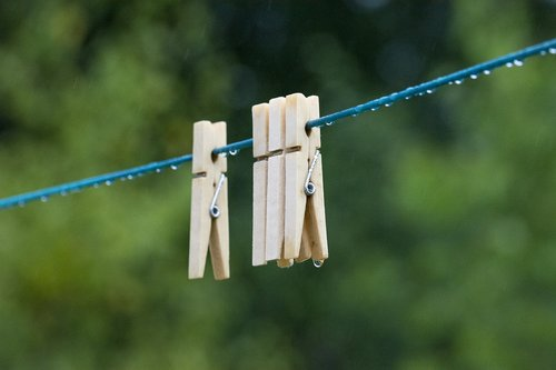 holland  clothesline  was dry