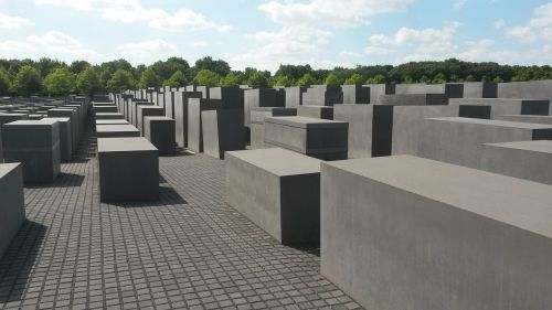 holocaust berlin jew