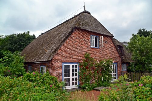 home thatched roof baltic sea