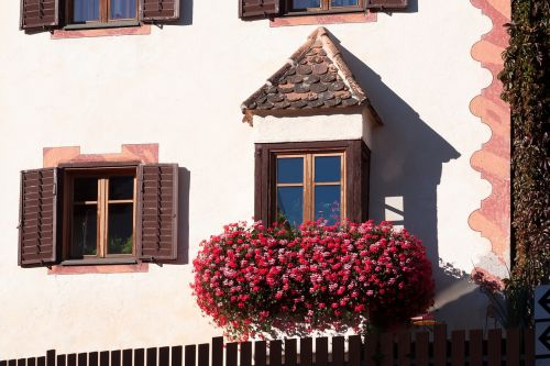 home bay window floral decorations