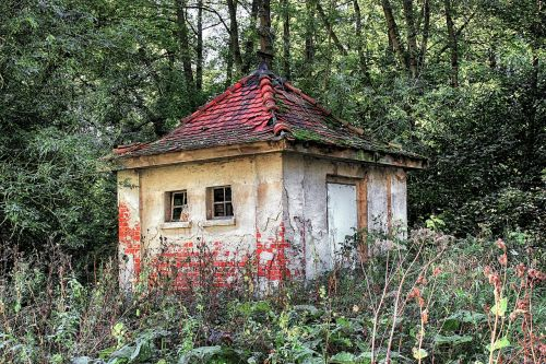 home pump house old
