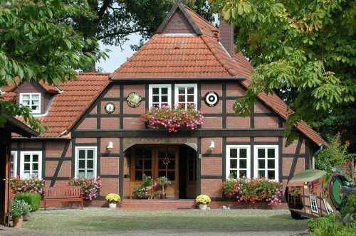 home farmhouse building