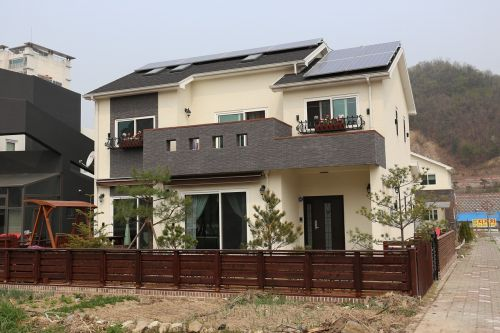 homes for sale solar chic