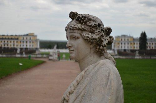 homestead  arkhangelsk  statue