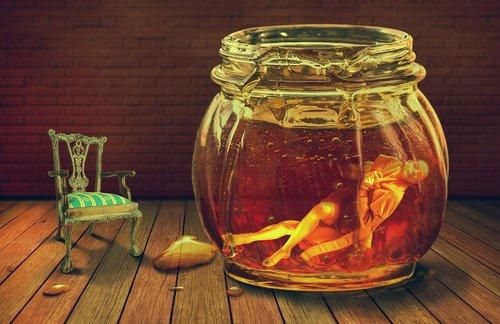 honey  underwater  photomanipulation