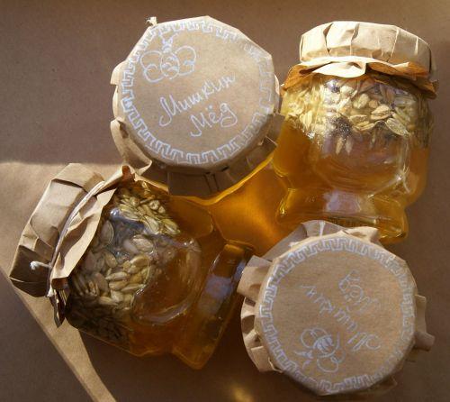 medus,bičių,žiedadulkės,gėlė,sodas,renka nektarą,vasara,makro,gamta,gražus,geltona,grožis,bityna,bitininkas,bitininkystė,komfortas