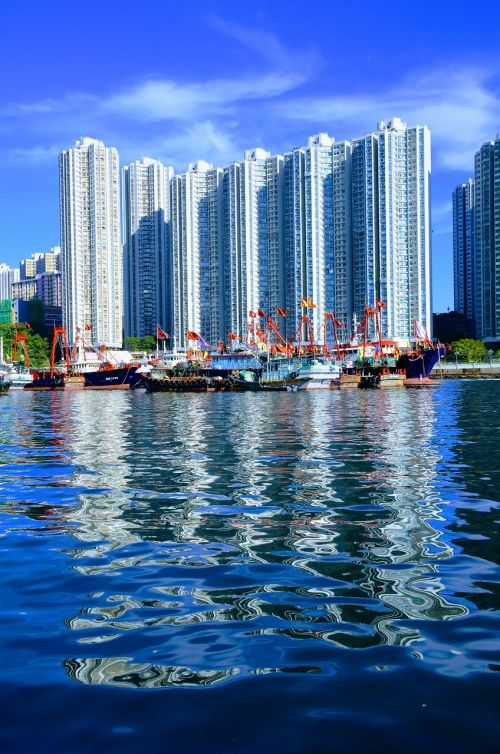 hong kong skyscraper reflection