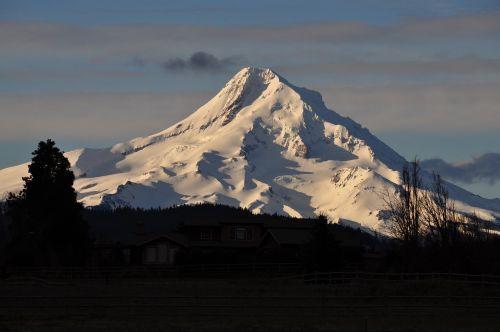 hood mountain landscape