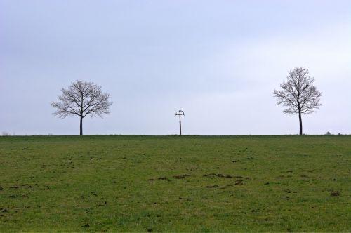horizon distant wide