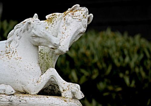 horses sculpture figure