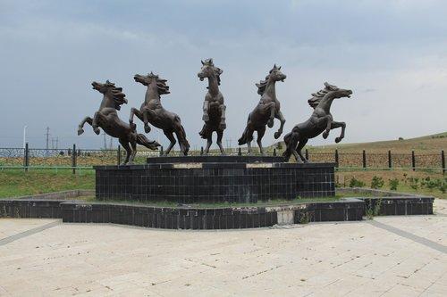 horses  art  statue