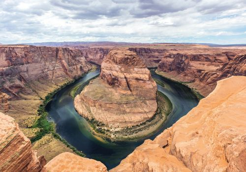 horseshoe bend arizona rocks