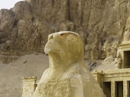 horus temple sculpture