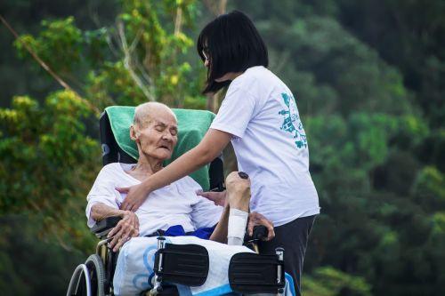 hospice caring nursing