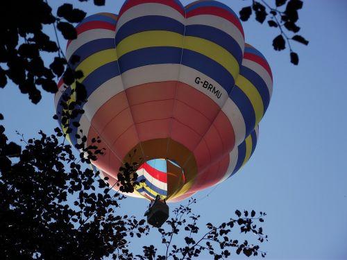 hot air balloon balloon flying
