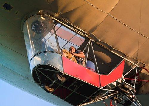 hot air balloon  gondola  passenger