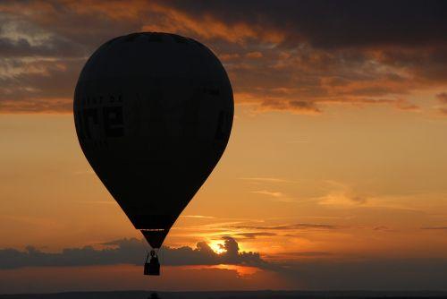 hot-air ballooning ball twilight