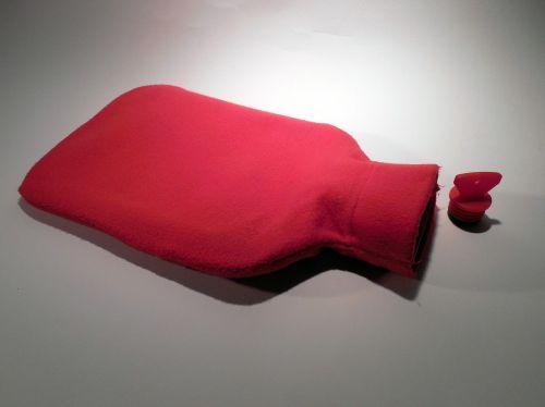 Karšto vandens butelis,šiltas,miegoti,pilvo skausmas,žiema,jaukus šiltas,lova,šaltas,lovų butelis