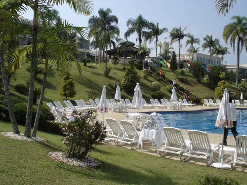 hotel luxury pool