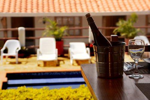 hotel  wine  restaurant