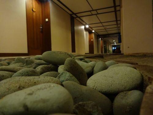 hotel stones picture