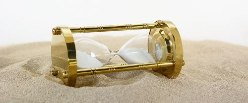 hourglass clock time
