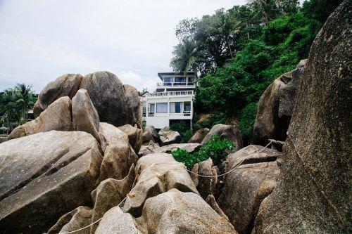 house rocks stones