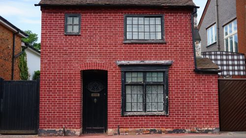 house brick brick house